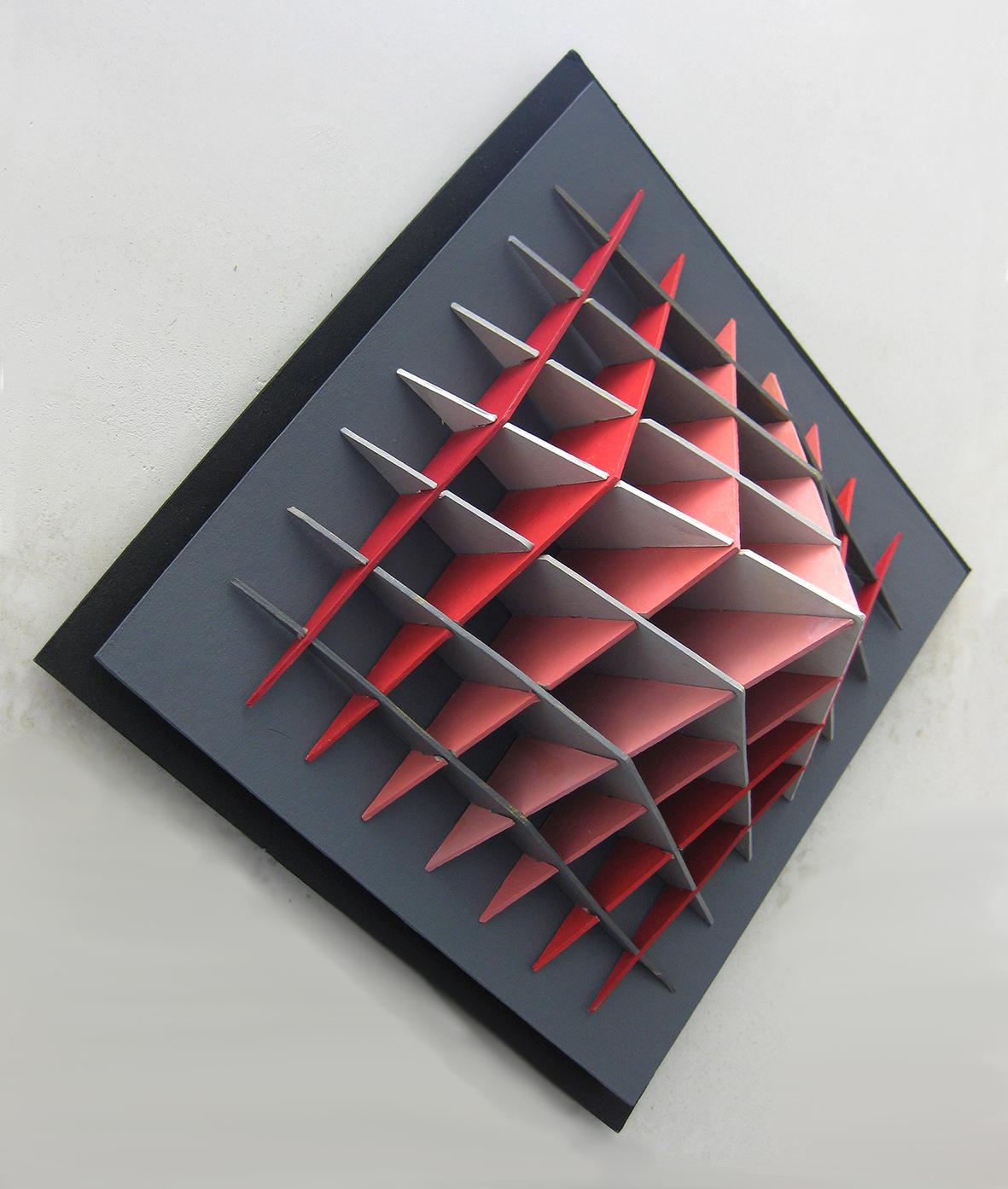 leokornips-Pyramid-in-R+G