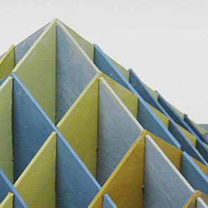 leokornips-Pyramid-Y+B